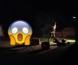 Un gars passe la tondeuse tard à Shawinigan-Sud...