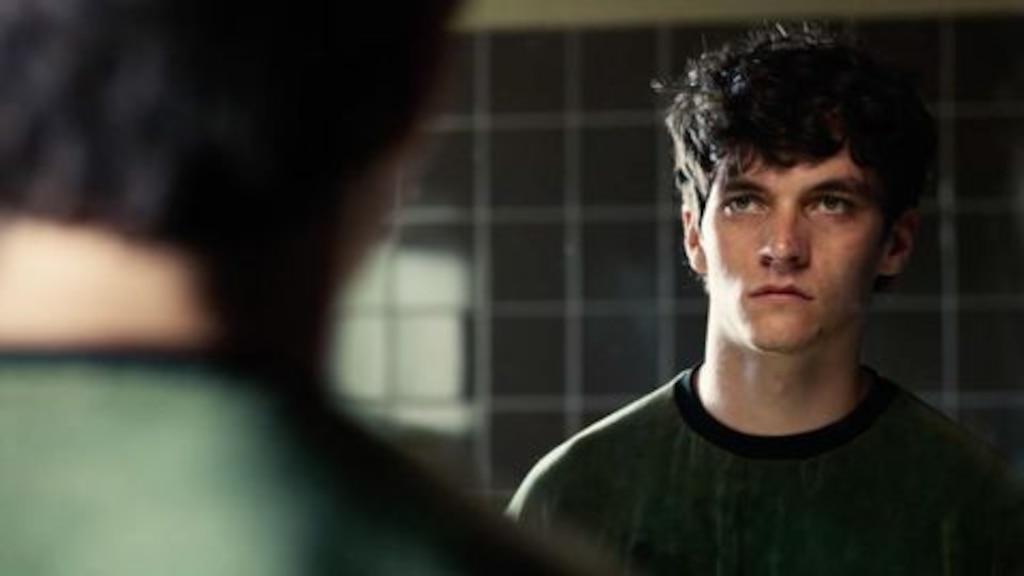 «Black Mirror: Bandersnatch» est un film dont vous êtes le héros aussi stressant que vous pouvez l'imaginer