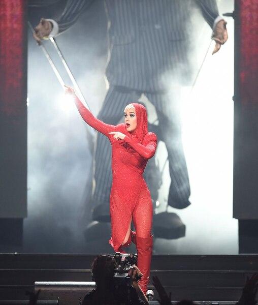 Katy Perry a offert un spectacle haut en couleur au Centre Vidéotron.