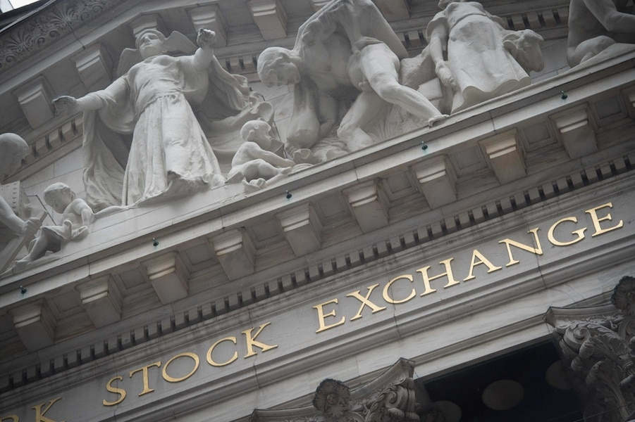 US stocks dip as markets digest shock Trump win