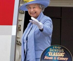 Les fameuses tartes à la viande en conserve Fray Bentos régalent toute la famille royale!