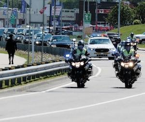 Les forces policières ont renforcé leur présence depuis quelques jours sur les routes deCharlevoix et au centre-ville de LaMalbaie.