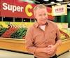 Guy Jodoin dans une pub des détaillants Super C.