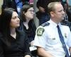 L'assistant-directeur de la Section des enquêtes au Service de police de Laval Dany Gagnon (à droite) lors de l'annonce de la Déclaration commune de la lutte à l'exploitation sexuelle des mineurs sur le territoire de la ville, il y a deux semaines.