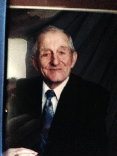 Joseph Ernest Malenfant, 92 ans - Tout le monde l'appelait Joeet il était âgé de 92 ans. Fermier, il possédait une terre à bois qui fournissait le bois de chauffage pour les gens de L'Isle-Verte. «J'ai de très bons souvenirs de M. Malenfant. C'était un gars loyal et travaillant», a mentionné son beau fils Serge Saint-Laurent.
