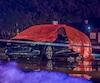 Les deux jeunes victimes liées au crime organisé ont été abattues dans cette voiture stationnée derrière une brasserie sur la rue Bernard-Pilon à Beloeil, jeudi soir.