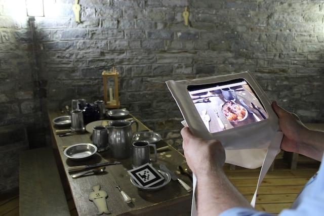 Une visite guidée sur iPad explique l'histoire des tours Martello et la vie des soldats qui y étaient postés.