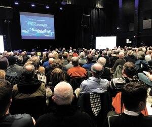 Quelque 250 personnes se sont déplacées jeudi au campus Charlesbourg du Cégep de Limoilou pour participer à la consultation publique sur le réseau de tramway-trambus.