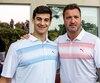 À son tournoi de golf à Laval mardi, le capitaine du Canadien Max Pacioretty a accueilli Stéphane Richer, le dernier joueur du CH à avoir connu une saison de 50 buts.