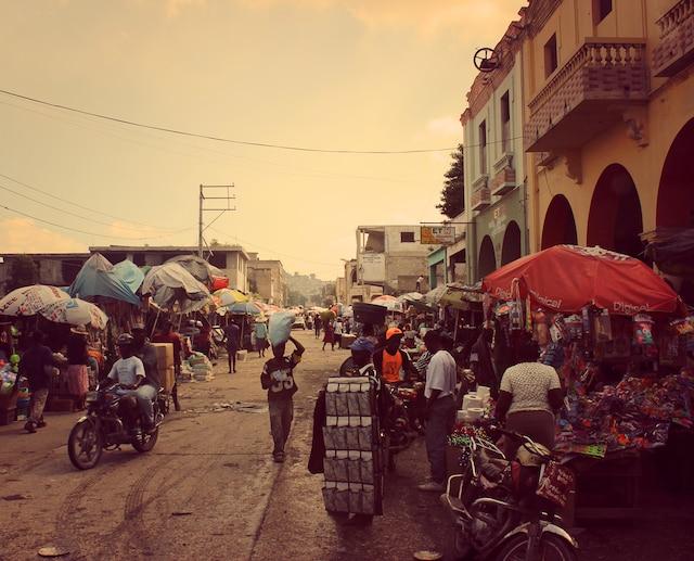 Scène de la vie quotidienne haïtienne.