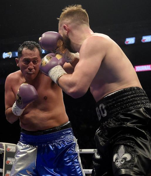 Vincent Thibeault contre Arturo de la Cruz lors du deuxième round.