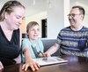 Les parents du jeune Rafael, Annie Michaud et François Bakran, ont choisi de se tourner vers une campagne de sociofinancement et font eux-mêmes les démarches afin d'aménager une salle adaptée aux besoins de leur fils dans son école.