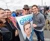 Le parti Québec 21 de Jean-François Gosselin est celui qui obtient le plus de «j'aime» sur sa page Facebook, avec 3800. Mais ce nombre est faible par rapport à la population de Québec, juge un expert. Sur la photo, M. Gosselin (à droite) lors du tailgate du Rouge et Or à l'Université Laval, samedi.