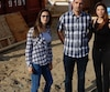 Naomi Truchon, Éric Truchon et son épouse, Stéphanie Matte, sont déçus de ne pouvoir prendre possession de leur maison.