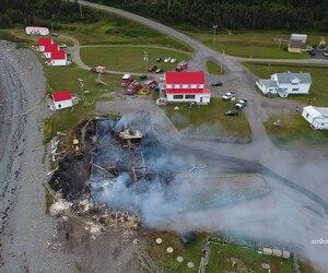 Le Théâtre de la Vieille Forge n'est plus qu'un tas de débris à Petite-Vallée.