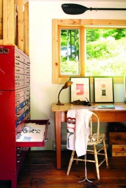 On aime ! Les modules de tiroirs à plans d'architecte; larges et peu profonds, ils sont conçus pour ranger de grandes feuilles.
