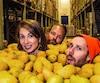 Les fondateurs des jus LOOP, Julie Poitras-Saulnier, Frédéric Monette et David Côté, s'attaquent au marché des jus frais.