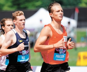 Né en Angleterre, le «Québécois» William Paulson s'est qualifié aisément en demi-finale, samedi aux championnats canadiens, en vue de la finale du 1500m de dimanche dans laquelle il est le favori.