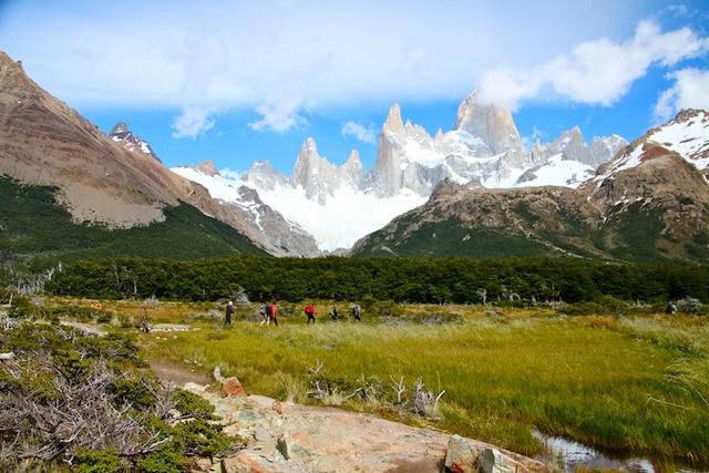 Le parc national Los Glaciares est un endroit renommé pour la randonnée pédestre en Patagonie, en Argentine. Le village d'El Chalten, qui s'y trouve, a été baptisé «capitale patagonienne du trekking».