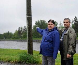 Manon Perron et Jasmin Tremblay nous identifie jusqu'au l'eau est monte en 1996 lors du déluge.