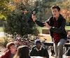 Rafe Khatchadorian (Griffin Gluck) donnera du fil à retordre au directeur de sa nouvelle école quand celui-ci détruira son carnet de dessins.