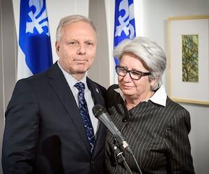 Le chef du Parti québécois, Jean-François Lisée, en compagne de la députée Agnès Maltais, qui a annoncé mardi son départ de la vie politique.
