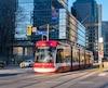 À Toronto, où la population s'est accrue plus rapidement que la moyenne canadienne ces dernières années, le tramway fait partie des solutions pour lutter contre la congestion routière.
