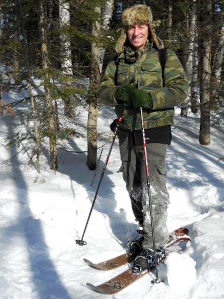 Notre chroniqueur Alain Demers lors de l'essai du ski-raquette, mercredi dernier.
