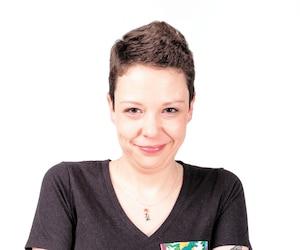 Caroline Gauthier, atteinte d'un cancer incurable, photographiée lors de l'activité «Une pose pour le rose» au profit de la Société canadienne du cancer (cancer du sein) à Matane.