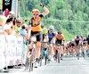 Au terme d'un sprint final endiablé, Pier-André Côté a savouré sa victoire en première étape du Tour de Beauce en levant un bras au ciel.