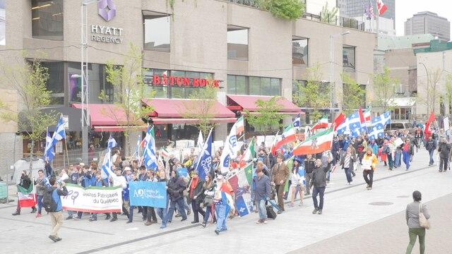 La marche fut moins populaire que les années précédentes avec ces quelques centaines de participants.