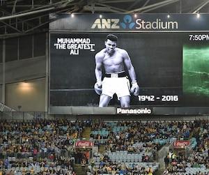 Hommage au boxeur dans un stade en Australie.