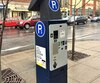 Le nouveau système de paiement par plaque permet aux automobilistes de Westmount de payer leur stationnement pour une période de temps et non pour un espace déterminé.