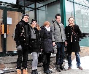 Les employés Cédric Amram, Mathilde Falgueyret, Ludivine Dalmasso, Mathieu Latour et Nicolas Hamann-Legris sont écœurés par la manière dont les proprios ont procédé à la fermeture du magasin.