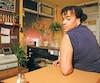 Majiza Philip a dû subir une opération durant laquelle on lui a fixé une plaque de métal et six vis dans le bras après qu'elle s'est fait fracturer l'humérus par un policier en novembre 2014. Elle a rencontré Le Journal dans le restaurant où elle s'est trouvé un nouvel emploi.