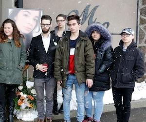 Une trentaine d'amis d'Athena Gervais, décédée au début du mois à Laval, ont tenu à faire le voyage à Saint-Félicien pour faire acte de présence lors de la cérémonie.