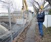 Malgré d'importants travaux sur la 16e Avenue dans Rosemont, où habite Alain Carbonneau, le trottoir est libre, les ordures sont ramassées et les Publisac distribués. Mais Postes Canada y a interrompu la distribution du courrier «pour des raisons de sécurité».