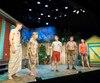 La pièce <i>Les grandes chaleurs</i> met en vedette les comédiens Frédéric Millaire-Zouvi, Chantal Baril, Marc St-Martin, Denis Houle et Kim Despaties.