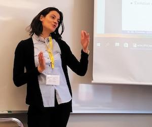La chercheuse Marie-Mélanie Fontaine, de l'Université du Québec à Montréal, a présenté une étude percutante sur les faibles revenus des mères,mardi, au congrès de l'Association francophone pour le savoir (ACFAS).