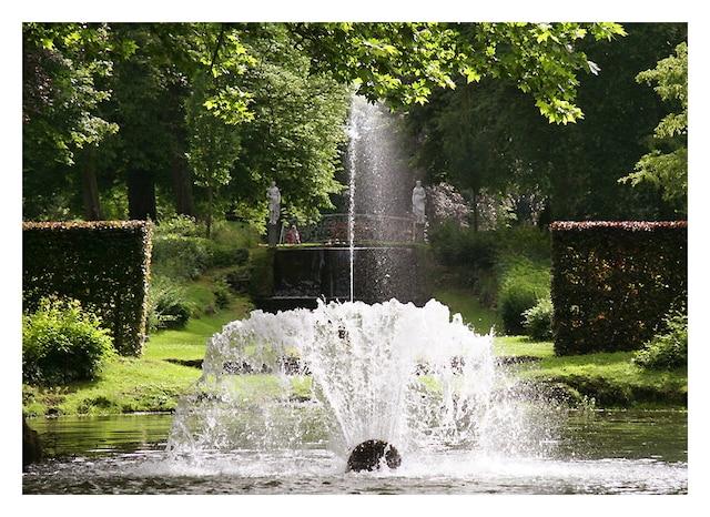 L'eau jaillit sous toutes les formes dans les jardins d'Annevoie.