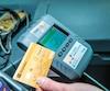 La Société de transport de Laval utilise présentement ce terminal dans ses autobus dans le cadre d'un projet pilote pour le paiement du passage par carte de crédit.