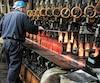 L'usine Owens Illinois est la seule fonderie de verre au Québec. Le directeur de l'usine, François Carrier, demande au gouvernement d'interdire que le verre soit envoyé aux sites d'enfouissement.