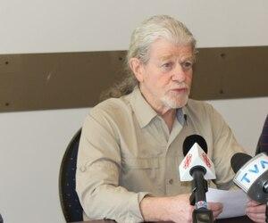 Henri Provencher a rencontré les médias mardi matin, pour réagir officiellement au fait qu'un bénévole a été accusé de pornographie juvénile.