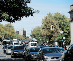 rue sherbrooke congestion trafic marathon montreal