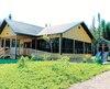 L'abri communautaire ainsi que tous les bâtiments sanitaires entièrement neufs permettent aux familles de vivre une expérience améliorée au camping La Loutre.