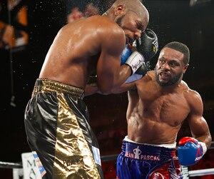 Le boxeur québécois Jean Pascal a vaincu le Cubain Yunieski Gonzalez par décision unanime samedi soir à Las Vegas.