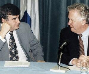 l'ancien premier ministre Lucien Bouchard et l'ex-maire de Québec Jean-Paul L'Allier en mai 1996.