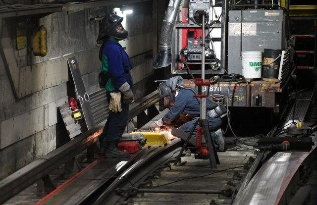 Visite avec les équipes d'entretien du Métro de Montréal, à Montréal, Quebec,Canada. Le jeudi 11avril, 2019. Sur cette photo: Équipe de réparation des rails MARIO BEAUREGARD/ AGENCE QMI