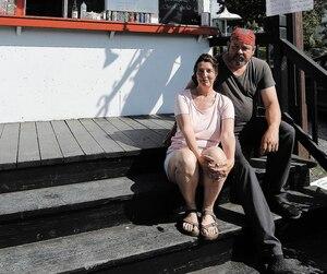 Les propriétaires ducasse-croûte Chez Mag,Louise Paradis et Steve St-Pierre, affirment que leurs ventes ont baissé «facilement» de 50% le week-end dernier.