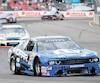 Andrew Ranger s'est emparé du premier rang au championnat après sa victoire à Loudon, hier, en série NASCAR Pinty's.